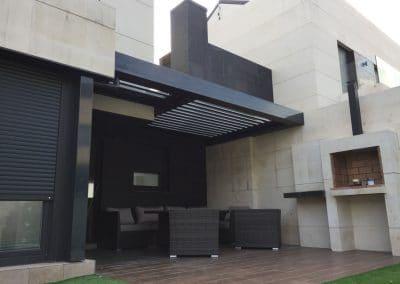 Instalacion de Pergola Bioclimatica Hall abierto