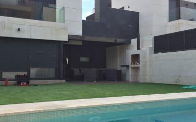 Instalación de Pérgola Bioclimática de Lamas Orientables en una terraza de Valdebebas en Madrid