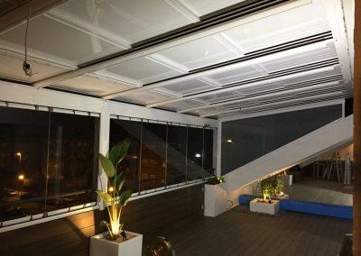 Techo Movil y Cortina de Cristal en terraza completa